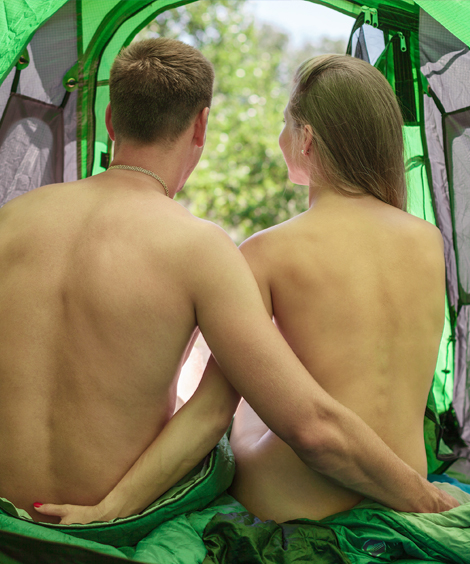 camping naturiste couple